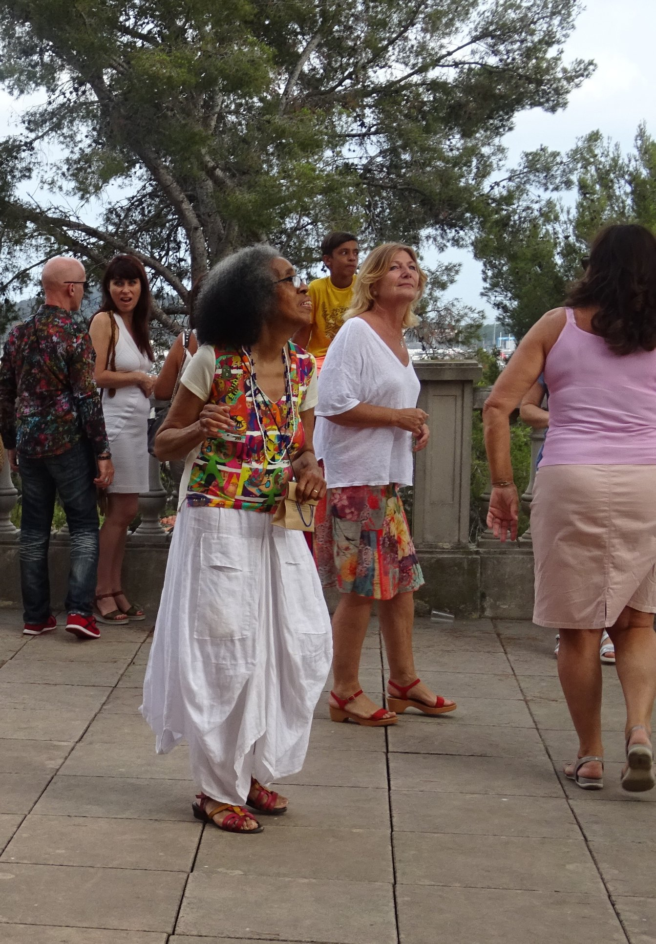 aconcha vernissage baile